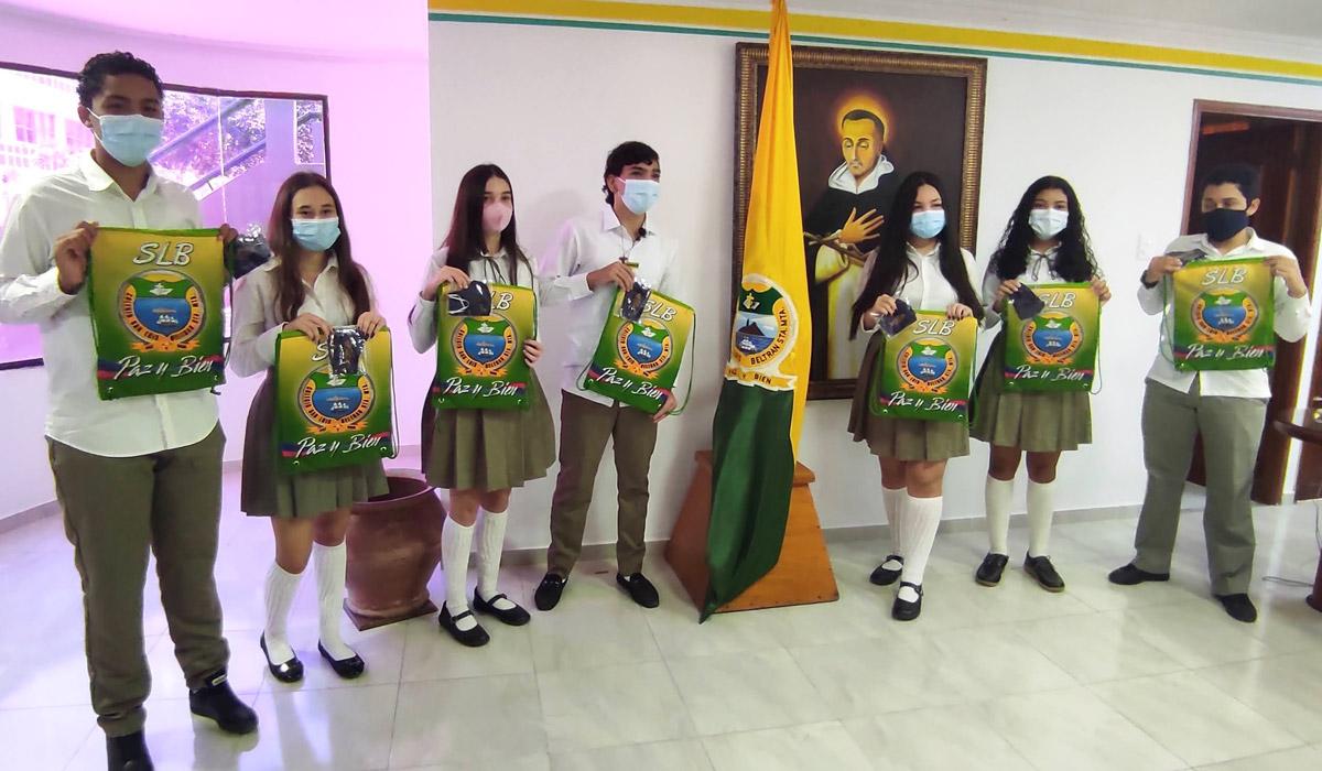 11_Estudiantes_Colegio_SLB