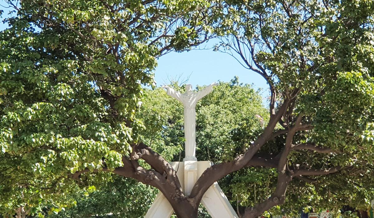 8_Escultura__Colegio_SLB