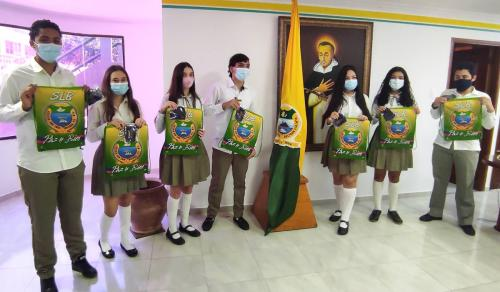 11 Estudiantes Colegio SLB
