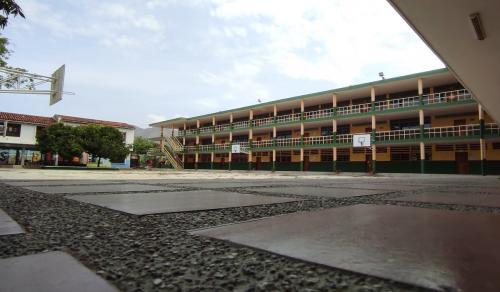 2 Patio Colegio SLB
