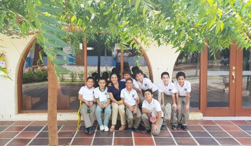 7 Ninos Colegio SLB